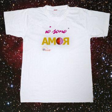 "In vendita la t-shirt ""IO SONO AMOR"""